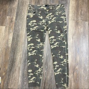 Kut from the Kloth Skinny Ankle pant camo green 14